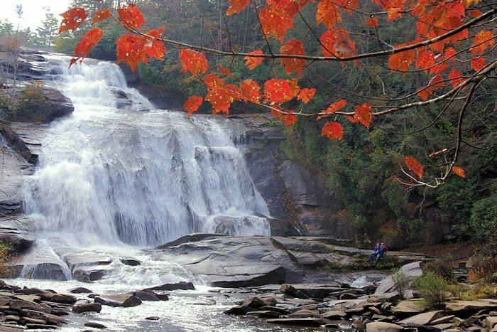 High Falls (DuPont State Forest) httpswwwromanticashevillecomsitesdefaultfi