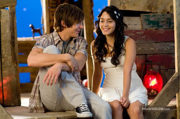 High School Musical 3: Senior Year movie scenes High School Musical 3 Senior Year behind the scenes photo of Zac Efron Vanessa
