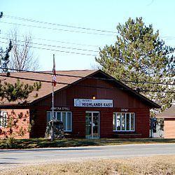Highlands East, Ontario httpsuploadwikimediaorgwikipediacommonsthu