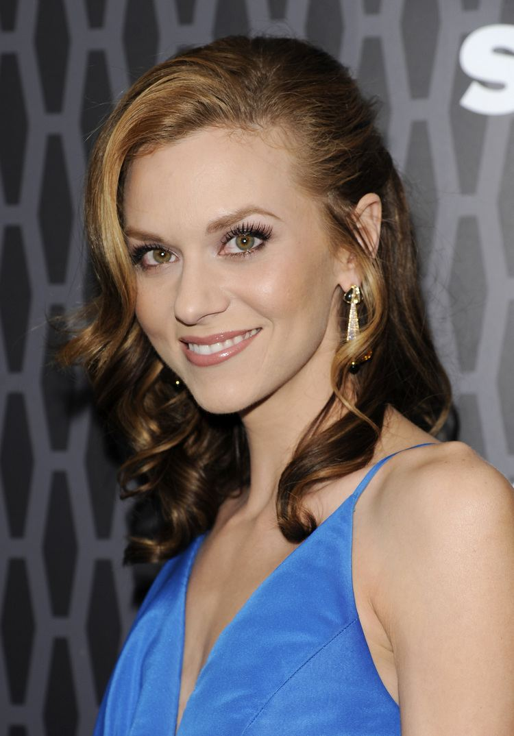 Hilarie Burton Hilarie Burton to attend 39One Tree Hill39 convention in March