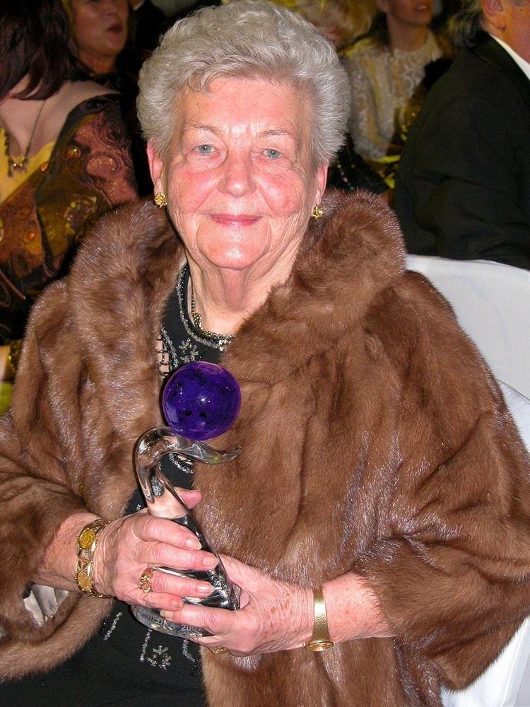 Hilda Múdra Trnerka krasokoruliarskych ampinov Hilda Mdra oslavuje 90 rokov