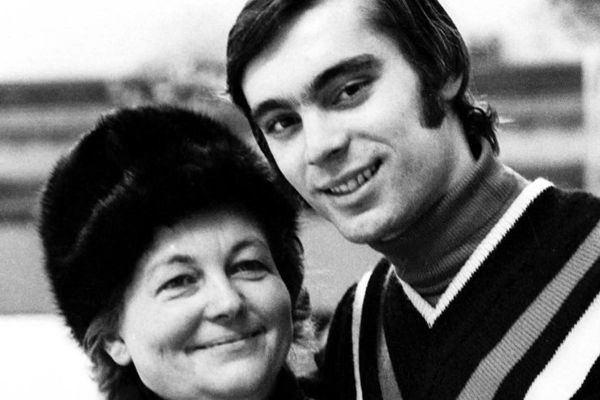 Hilda Múdra ipern legendrna dma Hilda Mdra obdivuje Sagana portsk