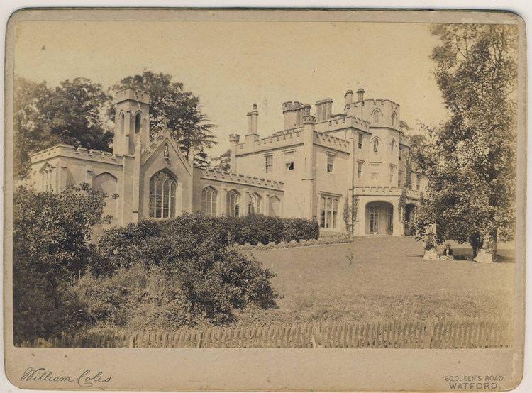 Hilfield Castle httpsc1staticflickrcom43943155382438182e4