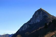 Hilltop castle httpsuploadwikimediaorgwikipediacommonsthu