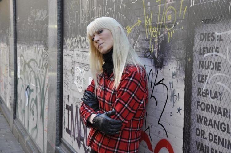 Hilma Nikolaisen Klar for egne popkilder Vrt Land