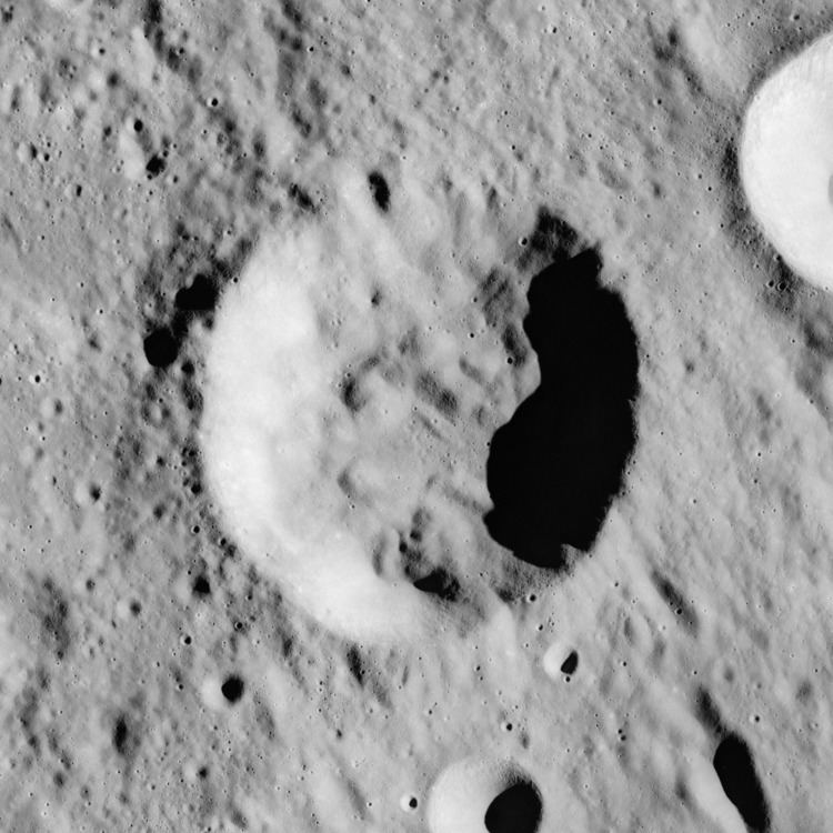 Hind (crater)
