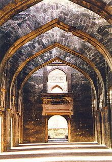 Hindola Mahal httpsuploadwikimediaorgwikipediacommonsthu