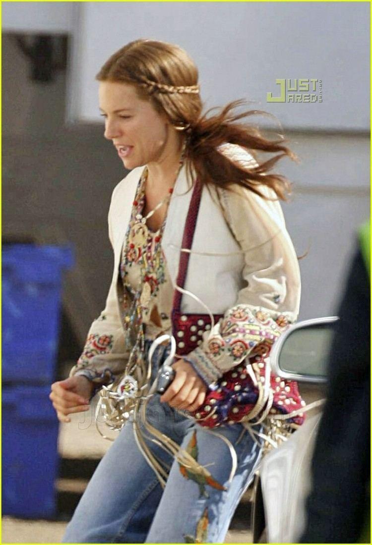 Hippie Hippie Shake Sienna Miller Does the Hippie Hippie Shake Photo 581001 Sienna