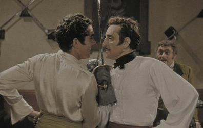 Hired! movie scenes Tyrone Power and Basil Rathbone in their famous duelling scene from The Mark of Zorro 1940 Note The movie was originally in black and white