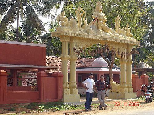 Hirisave Temple at Hirisave Pradeep Kishore Gowda Flickr