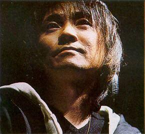 Hiro Yuki sumirechantripodcomweisswkavyukijpg