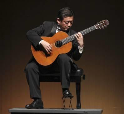 Hiroshi Fujii Hiroshi Fujii emociona al pblico con un brillante recital de