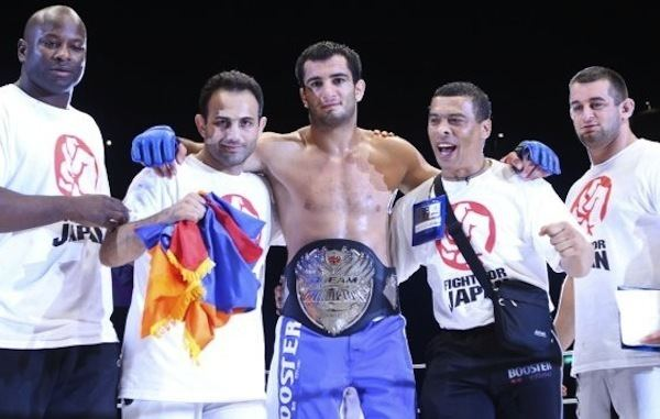 Hiroshi Izumi HyeFighter Mousasi Defends His Title By TKO In The 1st