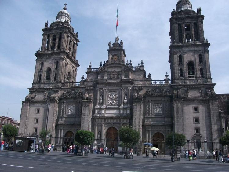 Historic center of Mexico City httpsmidlifecrisisgapyearfileswordpresscom2