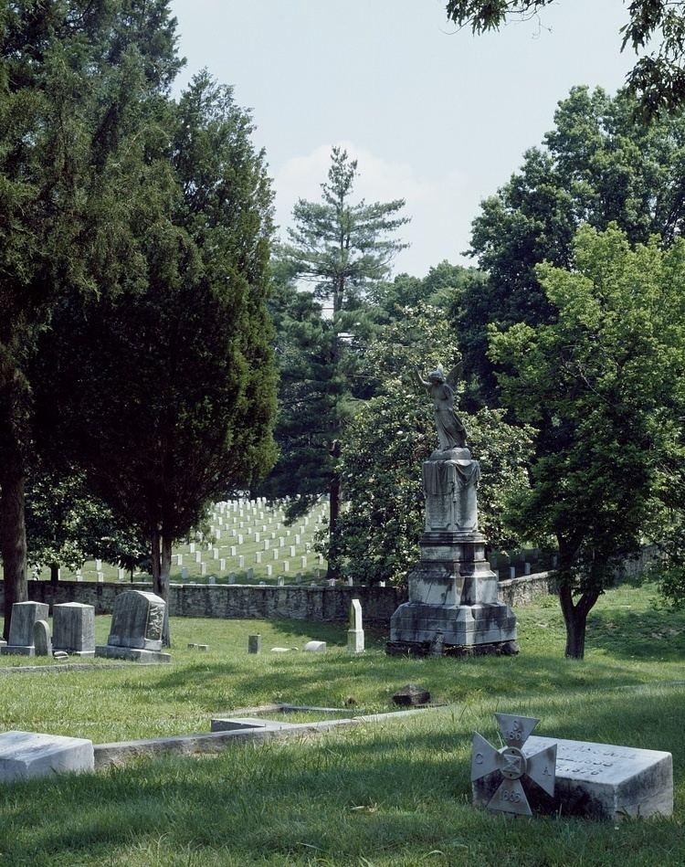 Historic Oakwood Cemetery
