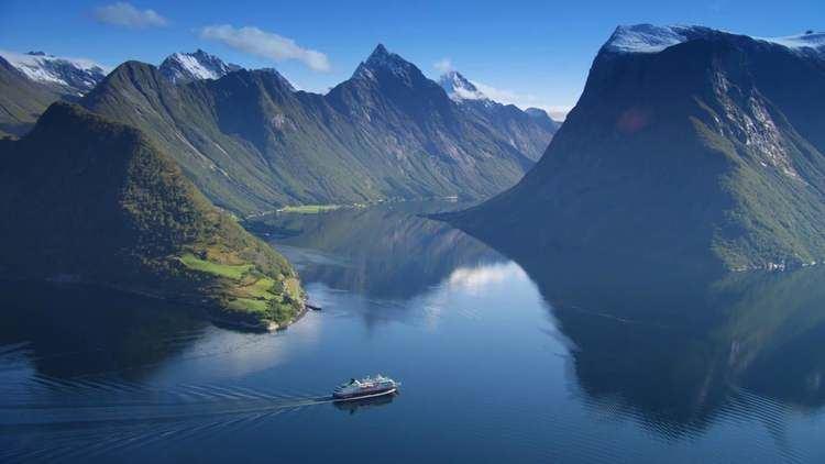 Hjørundfjorden HURTIGRUTEN HJRUNDFJORDEN on Vimeo