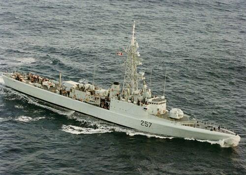 HMCS Restigouche (DDE 257) wwwreadyayereadycomshipscadillacrestigoujpg