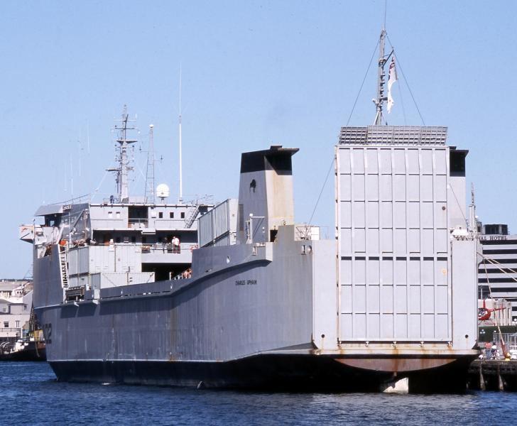 HMNZS Charles Upham wwwshipspottingcomphotosmiddle7561335657jpg