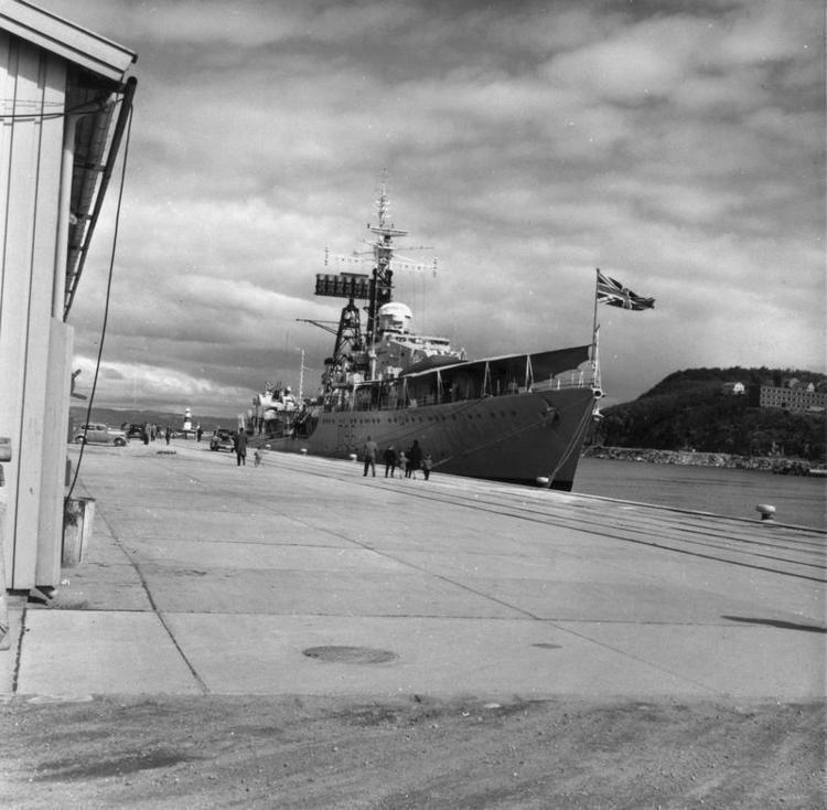 HMS Crossbow (D96) httpsuploadwikimediaorgwikipediacommons11