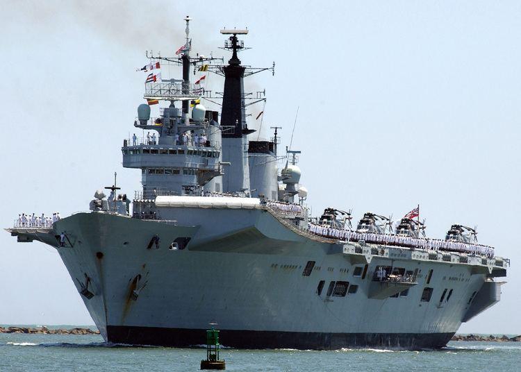 HMS Invincible (R05) FileHMS Invincible R05jpg Wikimedia Commons