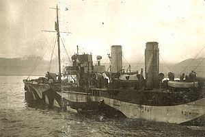 HMS Laburnum (1915) httpsuploadwikimediaorgwikipediacommonsthu