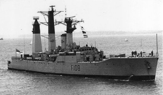 HMS Londonderry (F108) wwwhmslondonderryorggraphicsDerry3mastsjpg