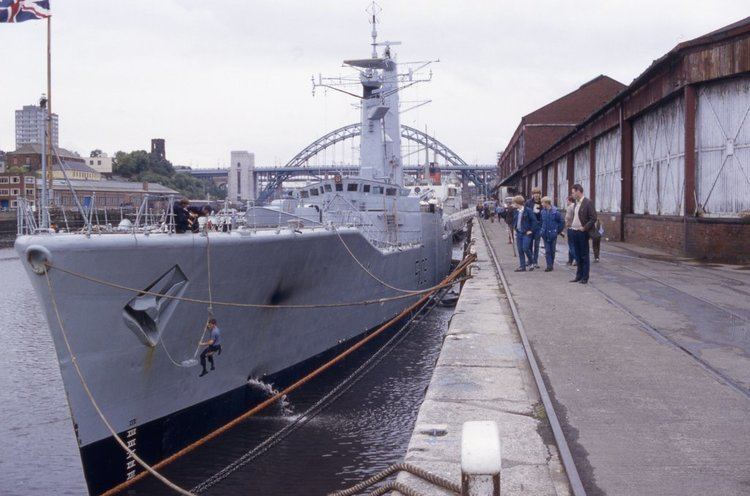 HMS Londonderry (F108) F108 HMS Londonderry by omick on DeviantArt