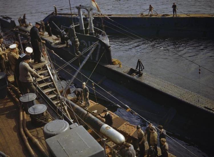 HMS P311 httpsuploadwikimediaorgwikipediacommons11