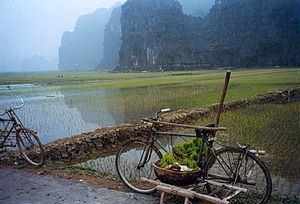 Hoa Lư District httpsuploadwikimediaorgwikipediacommonsthu