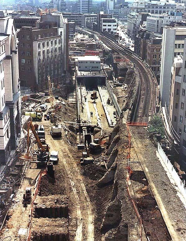 holborn viaduct railway station e29a78e1 193b 4c1f 98a2 86152310c63 resize 750 - Ludgate: Requiem für eine Stadtbrücke