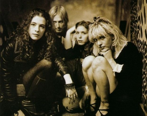 Hole (band) Bassist Melissa Auf Der Maur Offers Conditions for a Hole Reunion