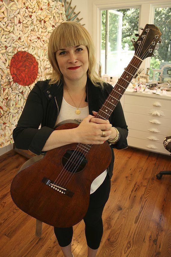 Holly Muñoz ExAviette singer Holly Muoz returns with Vandersliceproduced