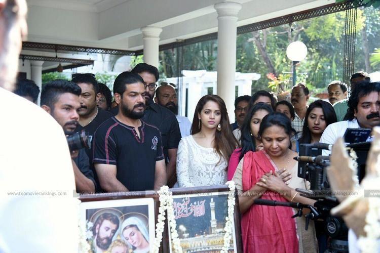 Honey Bee 2: Celebrations 3735Suresh Krishna Honey Bee 2 Celebrations Movie Pooja