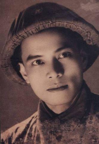 Hoàng Cầm (poet) Hong Cm Bauxite Vit Nam