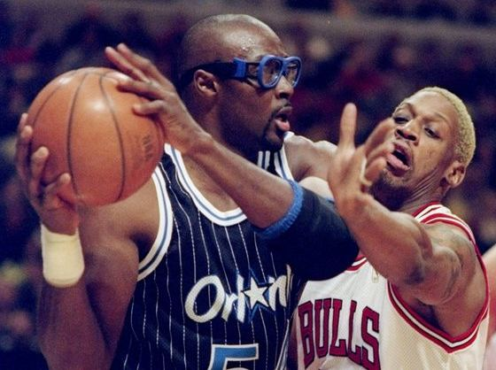 Horace Grant Horace Grant Reveals Why He Wore Goggles During NBA Career The Source