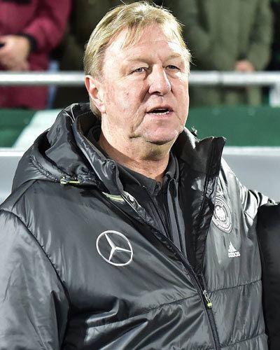 Horst Hrubesch sweltsportnetbilderspielergross5816jpg