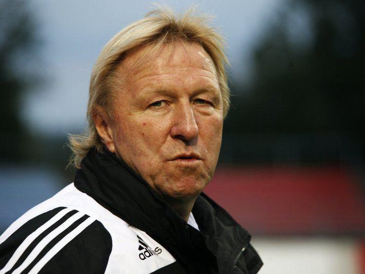 Horst Hrubesch DFB verleiht Trainerpreis an Horst Hrubesch DFB