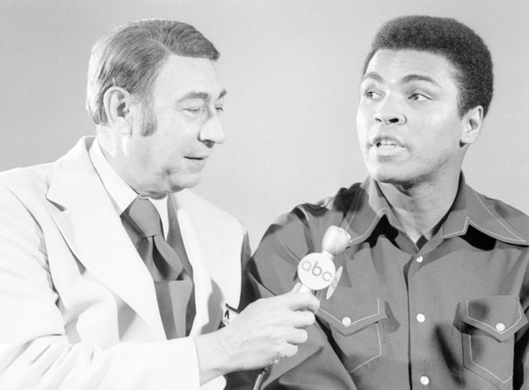 Howard Cosell Ali With Howard Cosell Before Joe Bugner Fight Neil Leifer