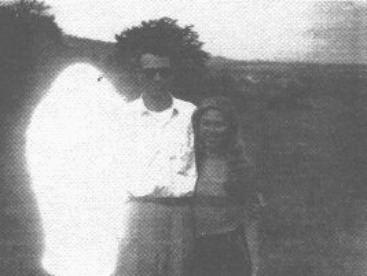 Howard Menger HOWARD MENGER ALIEN CONTACTEE HIS STORY PHOTOS