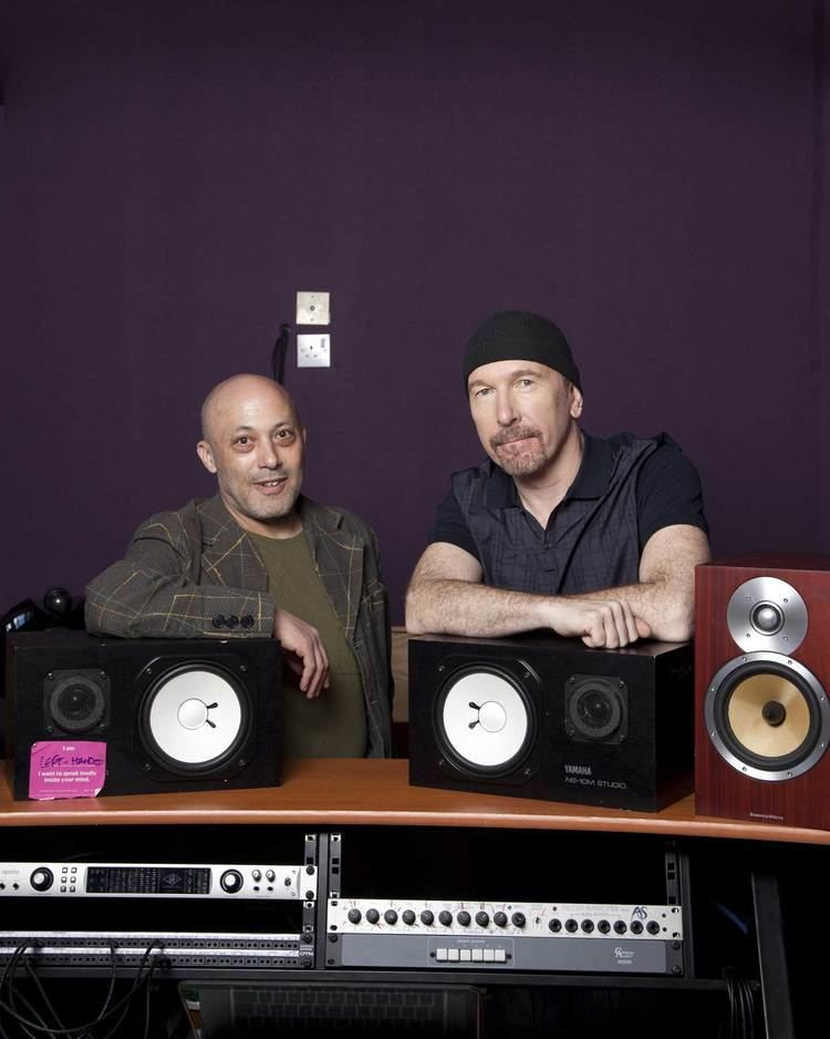 Howie B How We Met The Edge Howie B He worked with us on Pop and
