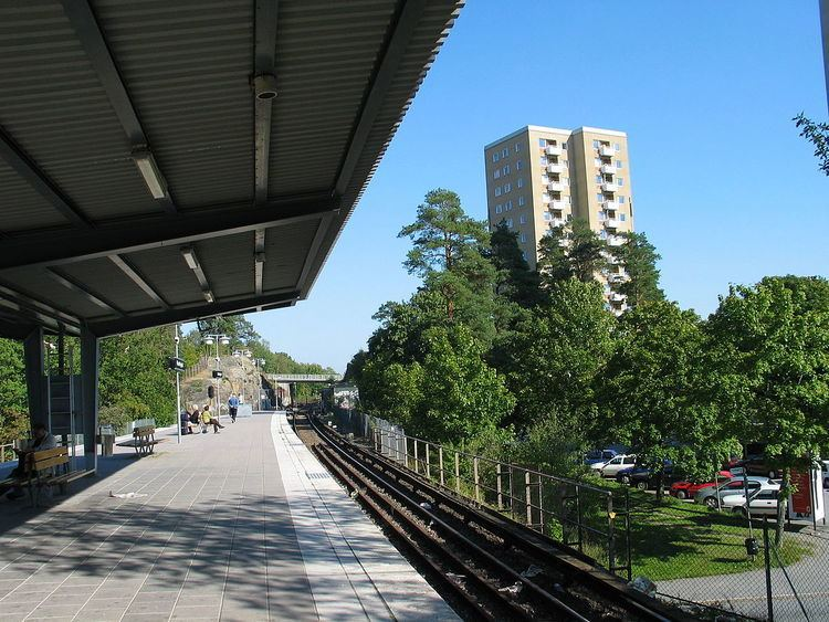 Hässelby gård metro station