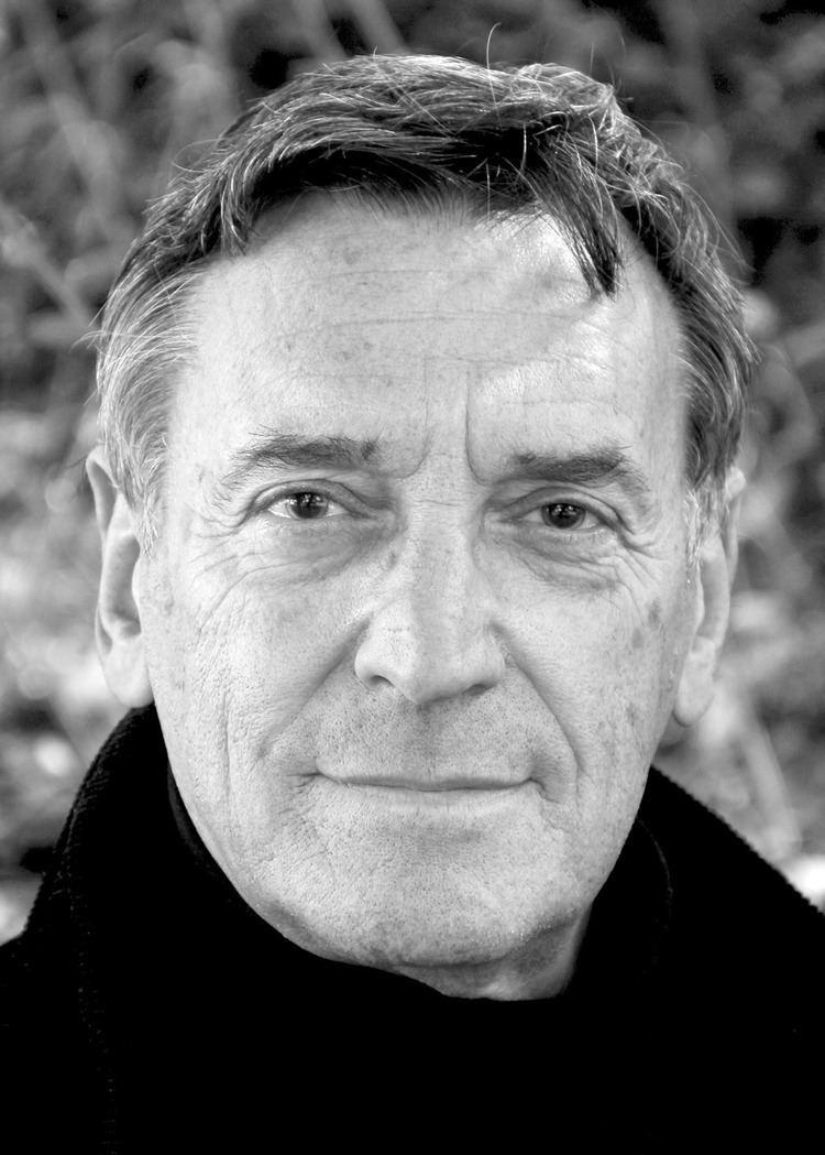 Greg Cruttwell (born 1960)