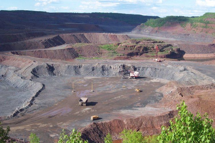 Hull–Rust–Mahoning Open Pit Iron Mine Mnnesota Mine Tours