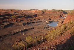 Hull–Rust–Mahoning Open Pit Iron Mine httpsuploadwikimediaorgwikipediacommonsthu