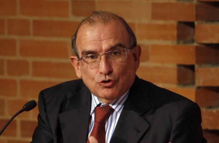 Humberto De la Calle politikacomcowpcontentuploads201511HUMBERT