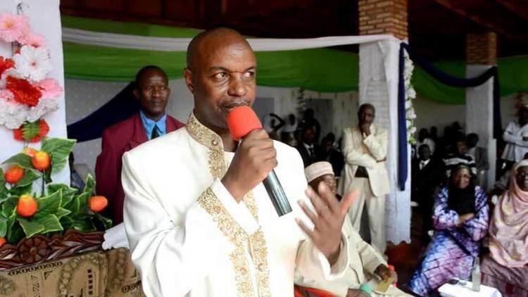 Hussein Radjabu Burundi Mauwa Mre de lHonorable El Hadj Hussein Radjabu leve de