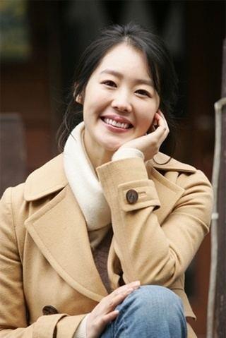 Hwang Soo-jung starkoreandramaorgwpcontentuploads200606Hw