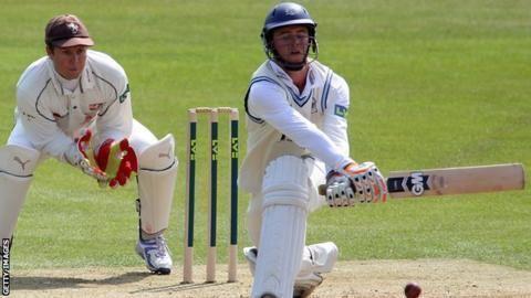 Ian Cockbain (cricketer, born 1987) Ian Cockbain Gloucestershire captain fractures wrist at Cheltenham