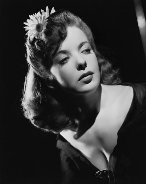 Ida Lupino THE CHISELER IT39S QUARTER TO THREE IDA LUPINO SINGS