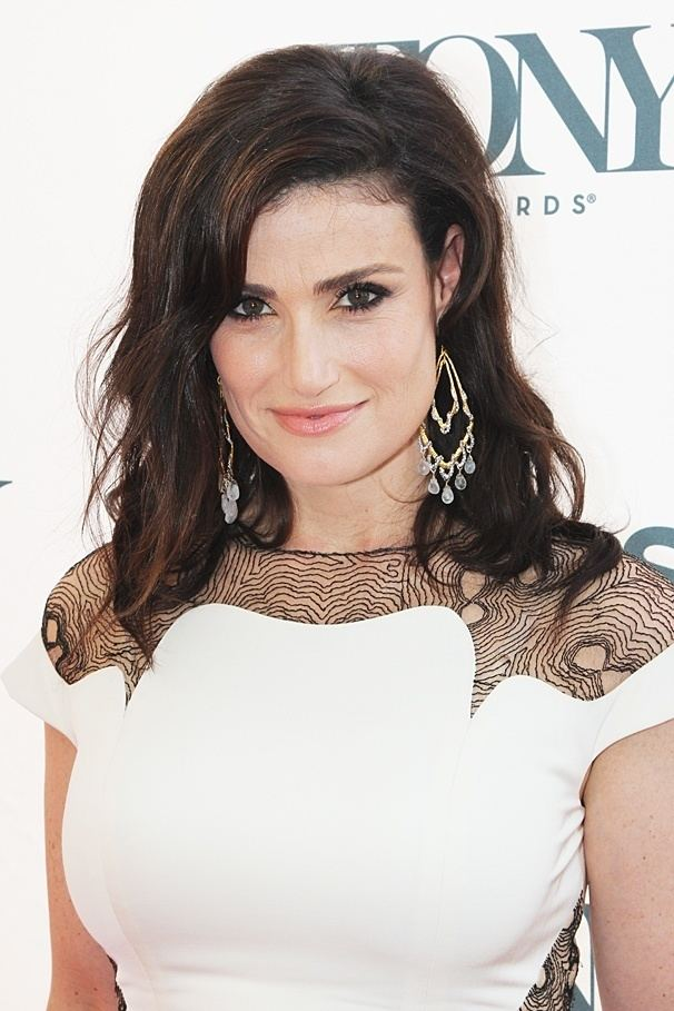 Idina Menzel Idina Menzel Biography Broadwaycom